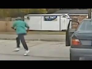 Spunta su internet il VIDEO della dashcam che riprende gli istanti prima della morte di Walter Scott
