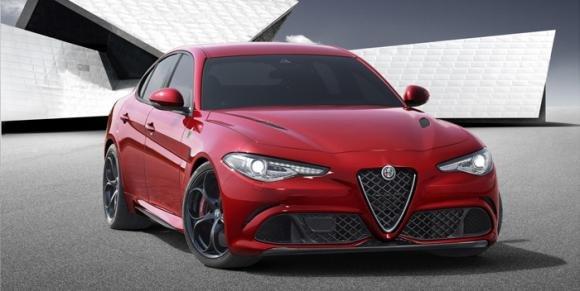 Nuova Alfa Romeo Giulia: prestazioni entusiasmanti e design aggressivo