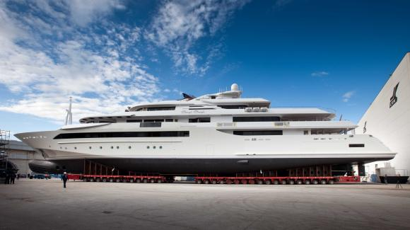 Yacht di lusso CRN Eight, che si presenta con una veste nuova