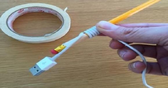 Ecco come arrotolare il cavo del vostro cellulare in modo intelligente