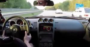 Una Porsche 911 GT3 sfida una Nissan 350Z. Per loro, però, è in arrivo una sorpresa