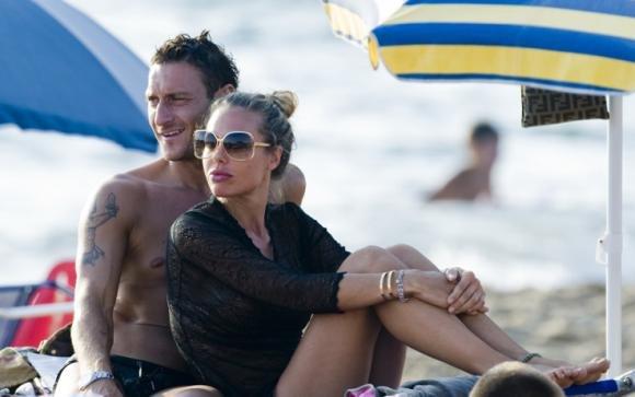 Anniversario Matrimonio Totti.Francesco Totti E Ilary Blasi Inisieme Dopo Dieci Anni Di Matrimonio