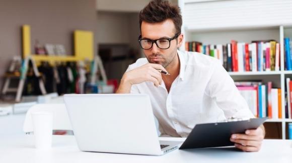 Una ricerca inglese afferma: troppo lavoro aumenta il rischio di ictus