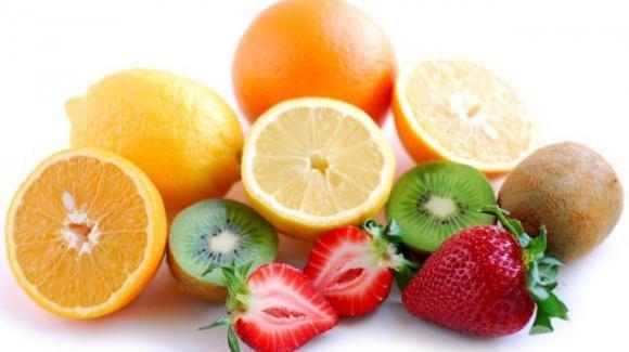 Aumentare l'apporto di vitamina C fa bene quasi quanto camminare