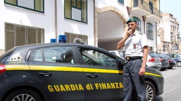 Agenzia delle Entrate di Agrigento: 15 arresti per tangenti e favori