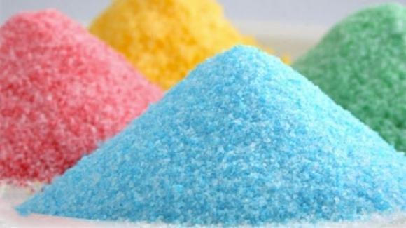 Zucchero per colorare fai da te: un gioco per bambini facile e low cost