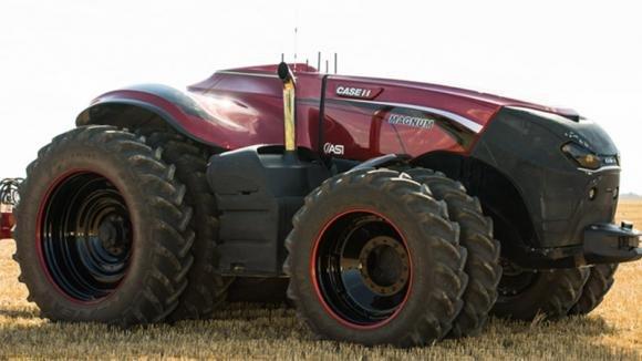 Ecco un trattore che lavora al posto del contadino