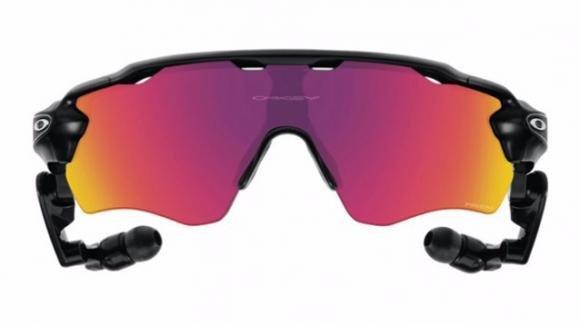 Oakley Radar Pace, ecco gli smartglass di Luxottica per gli sportivi