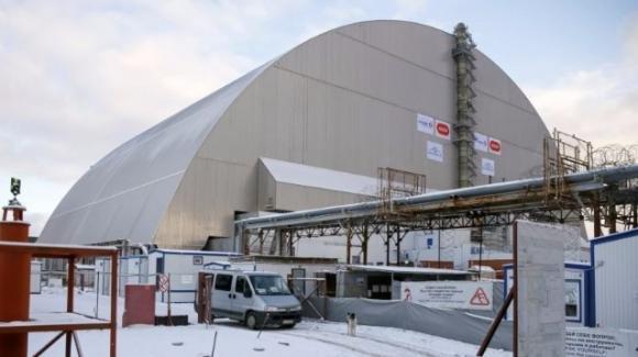 """Pronto il """"sarcofago"""" che sigilla il reattore di Chernobyl"""