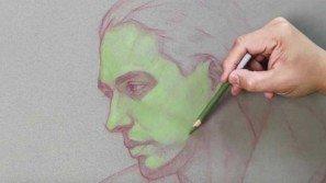 Disegna un ritratto con una matita verde. Il risultato finale è una vera opera d'arte!