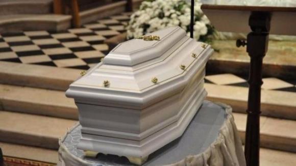 Napoli: bimbo resuscita nella tomba a Pasqua. Ma è una bufala