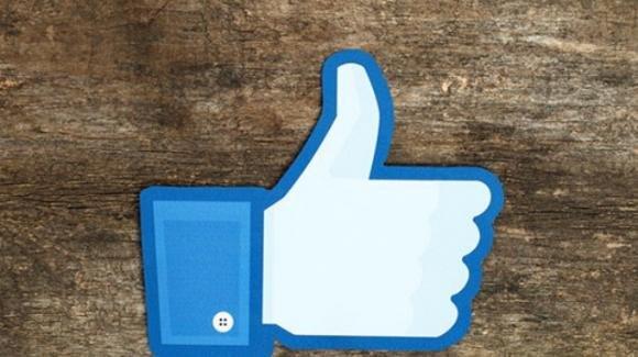 Facebook: video originali, programma fedeltà, ed argomenti da seguire