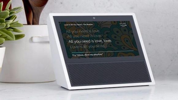 Amazon Echo Show, l'hub domestico con display e gestione videochiamate