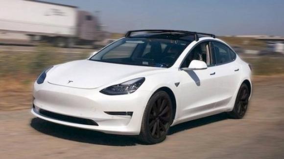 Tesla Model 3, ecco le prime specifiche della berlina elettrica di massa