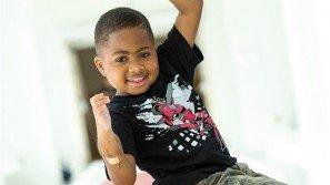 """Doppio trapianto di mani su un bambino: """"Vorrei ringraziare i genitori del mio donatore"""""""