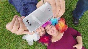 LG V30: display rivoluzionario, doppia fotocamera a f/1.6, e ricarica wireless