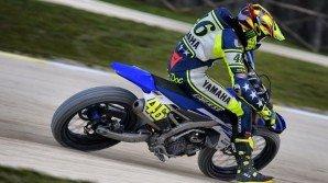 Incidente per Valentino Rossi, rischia un mese di stop