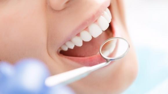 Scienziati cinesi studiano il vaccino contro la carie dentaria