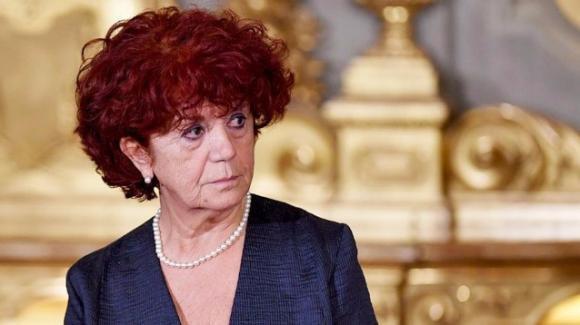 Ministro Fedeli, decreto per l'assunzione degli ...