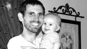 """Padre malato di cancro lascia un video alla sua bimba: """"Ti amo tanto, ci rivedremo ancora"""""""