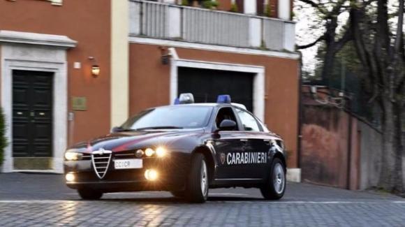 Roma, l'ex amante lo ricattava con foto hard in cambio di denaro. Tre gli arrestati