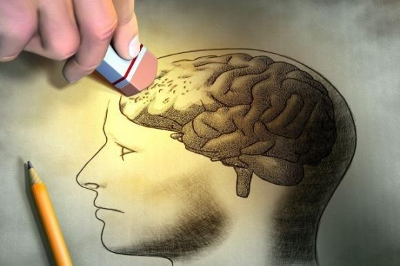 Stiamo invecchiando. Non possiamo ignorare questo biologico processo. LA MEMORIA NON DI RADO CI VIENE MENO...