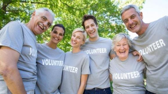Il volontariato fa bene anche a chi lo fa. Lo dice la scienza