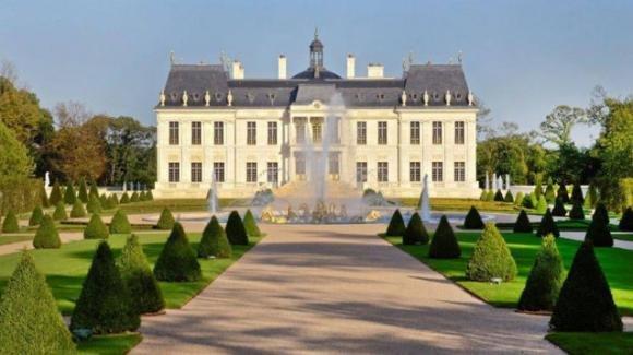 Francia: svelato il nome di chi ha acquistato la casa più costosa del mondo
