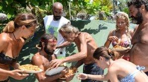 L'Isola dei Famosi: un'abbuffata di pasta col ragù placa la collera dei naufraghi