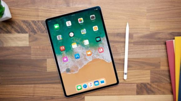 """iPad 9.7"""" (2018) con supporto alla Apple Pencil, sui banchi di scuola a partire da 359 euro"""
