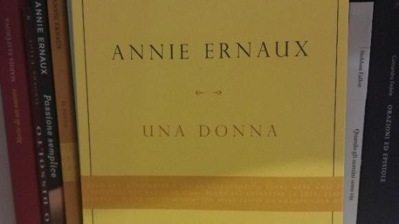 """La morte della madre in """"Una donna"""", ultimo romanzo di Annie Ernaux"""