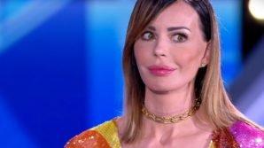"""Grande Fratello, Nina Morić risponde alle ultime offese: """"Fatevi un esame di coscienza"""""""