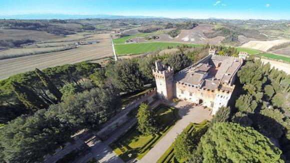 Toscana, in vendita lo storico castello del Brunelleschi