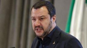 """Salvini e i migranti: """"L'Italia non è più il campo profughi del mondo"""""""