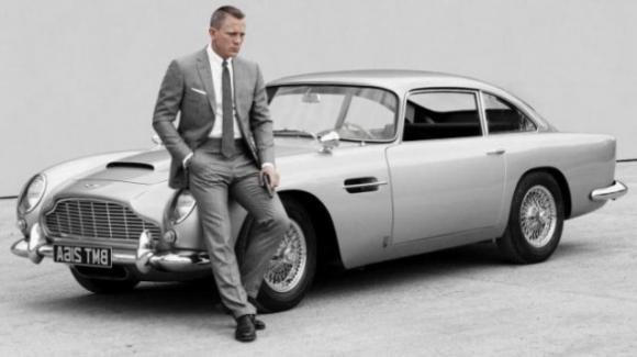 Aston Martin Goldfinger DB5: nel 2020 arriva la vera auto di James Bond, con tranciagomme incluso