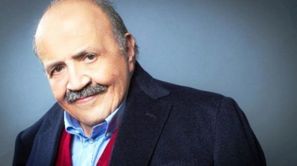 """Maurizio Costanzo diventa """"social"""" per amore del figlio: la foto che intenerisce il web"""