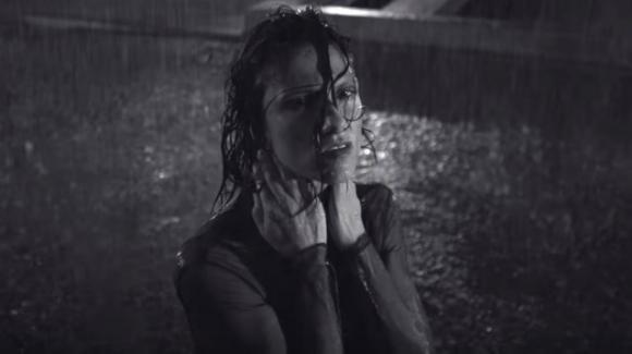 """""""Se piovesse il tuo nome"""": il significato del nuovo singolo di Elisa"""