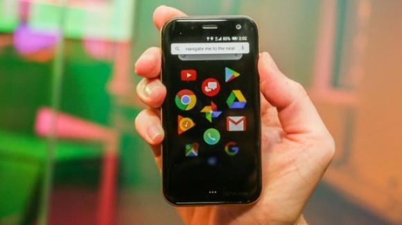 Palm è tornata: ecco il suo primo mini-smartphone con Face Unlock a Android 8.1