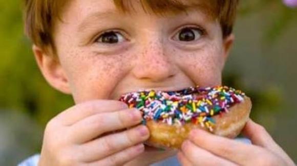È allarme obesità e denutrizione in Italia. Ecco lo studio che riguarda i bambini