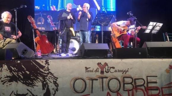"""Max Pezzali all'Ottobre De Andrè: """"Mio padre è sopravvissuto alla tragedia di Albenga"""""""