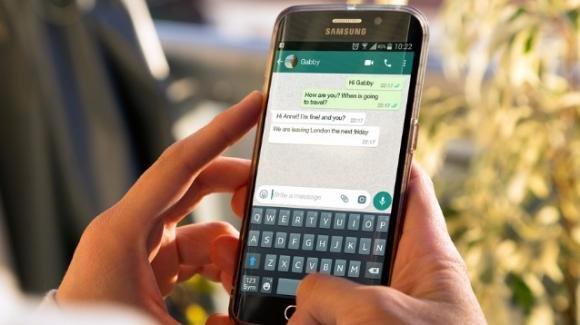 WhatsApp: in arrivo la modalità silenziosa, quella riposo, e gli account collegati