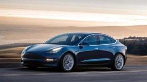 Tesla Motors: ufficiale la Model 3 midrange più economica ma con minor autonomia