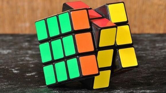 Ora è ufficiale: il cubo di Rubik è il gioco più venduto della storia
