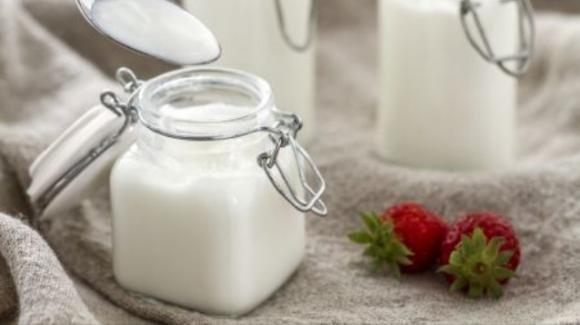 Mangiare yogurt più di 2 volte a settimana riduce del 20% il rischio di infarto