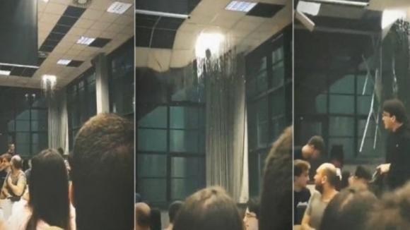 Maltempo a Milano, crolla il controsoffitto in un'aula del Politecnico