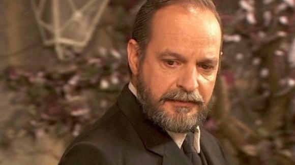 Il Segreto, anticipazioni puntata 8 novembre: Raimundo pronto a tradire Nicolas?