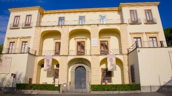 Al museo Correale di Sorrento arrivano le porcellane di Stelio Di Bello