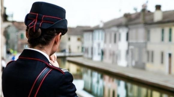 Risultato immagini per carabiniera
