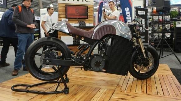 Savic Alpha: dal Melbourne Moto Expo la cafè racer elettrica con design vintage e cuore hi-tech