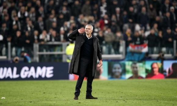 José Mourinho esulta. È polemica dopo la vittoria contro la Juventus